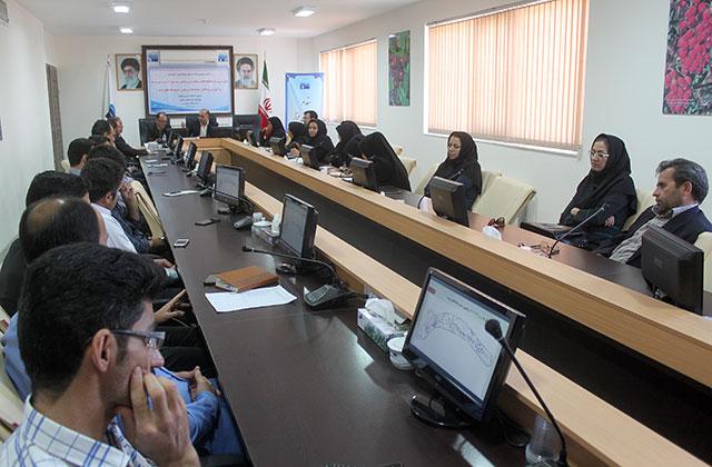 """برگزاری نشست علمی با عنوان """"کالیبراسیون مدل WhAEM در تعیین حریم چاه های شرب شهر بیرجند"""""""